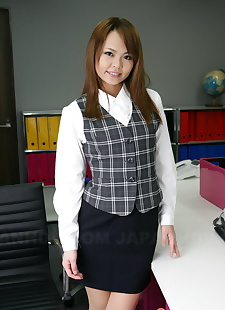 japanese sex pics Japanese schoolgirl Saki pulls down, undressing , skirt
